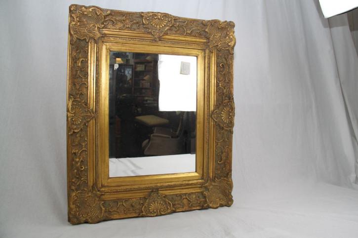 Spiegel mit schönen Rahmen