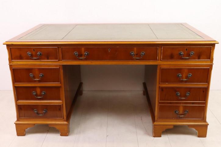 Klassischer Pedestal Desk mit grüner Ledereinlage, freistehend, Eibe