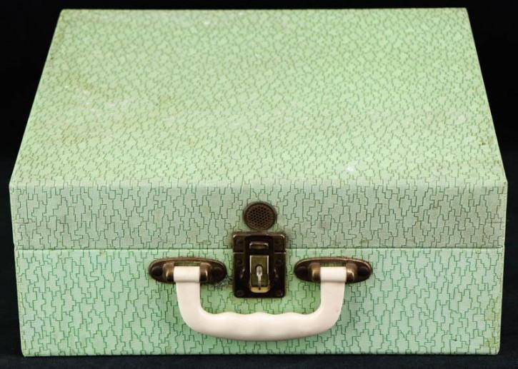 Pastellgrüner Vintage Picknick Koffer mit Ansprechendem Blumen Service und Besteck