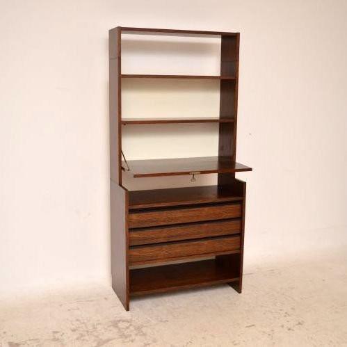 Dänisches Bücherregal mit Schubladen