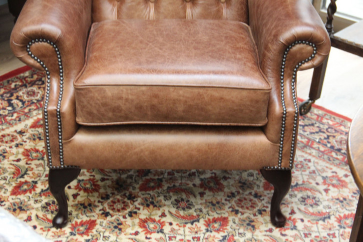 """Scroll Wing Chair"" Chesterfield Sessel"