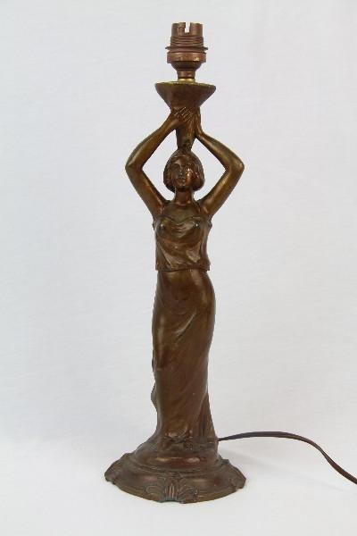 Tischlampe Frau Tischfuß antik