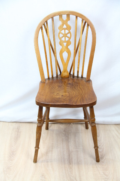 6  Wheel Back Chairs  Windsor stühle Original