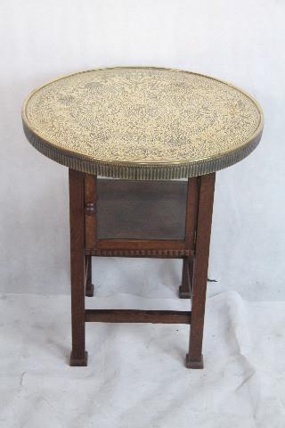 Tisch Goldene Mesingplatte Mahagoni Tisch aus dem 19 JH