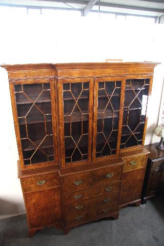 Breakfront Bookcase Großer Bücherschrank mit dem