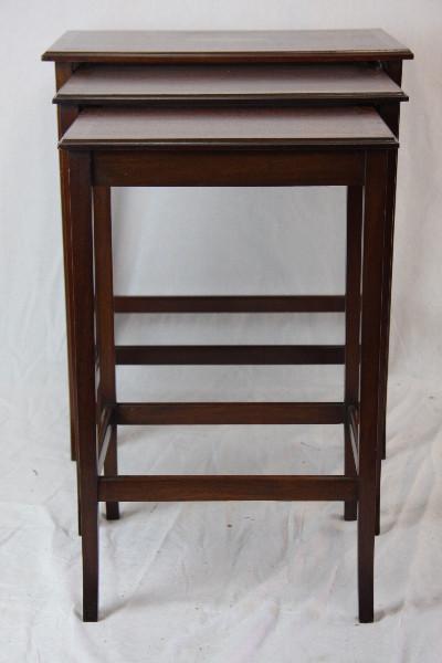 Nest of Tables Edwardian Original Mahagoni