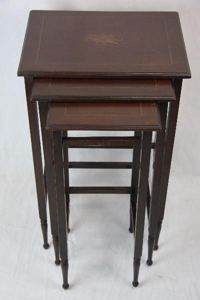 Nest of Table Tischsatz klrinr tische massiv Mahagoni