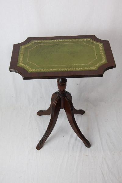 Mahagoni Beistelltisch mit grüner Lederplatte England