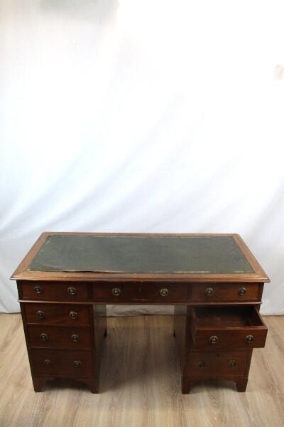 Englischer Schreibtisch Pedastaldesk Massi Mahgoni 1890