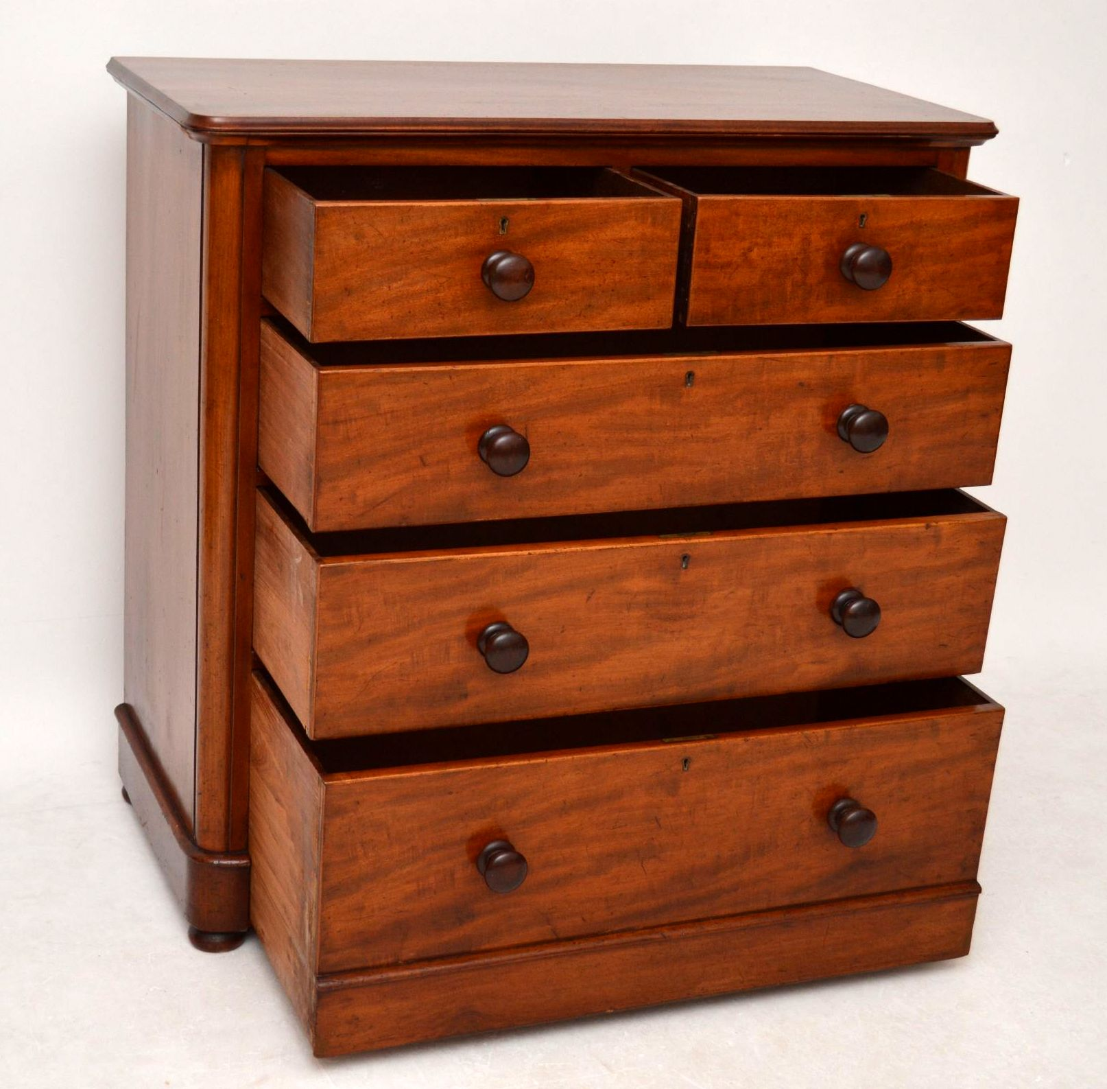 antike kommode aus eibenholz victorian. Black Bedroom Furniture Sets. Home Design Ideas