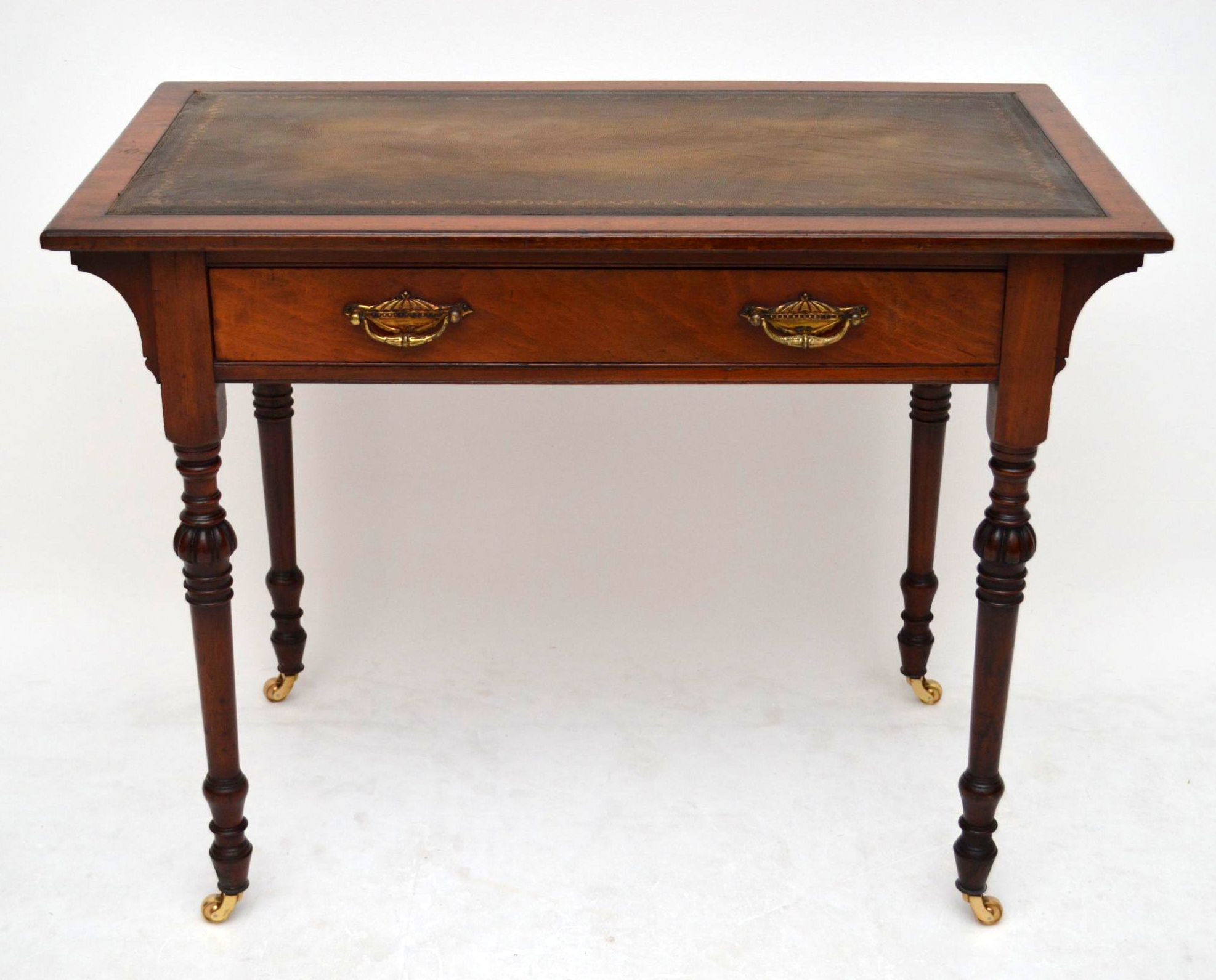 kleiner antiker schreibtisch sehr alt. Black Bedroom Furniture Sets. Home Design Ideas