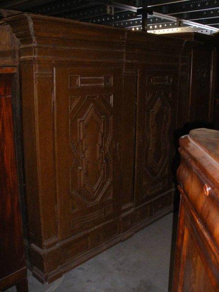 gro er kleiderschrank zweit rig. Black Bedroom Furniture Sets. Home Design Ideas