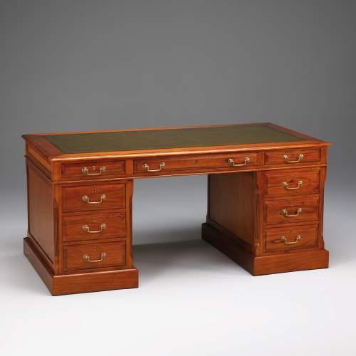 mahagoni schreibtisch 31903 myl leder. Black Bedroom Furniture Sets. Home Design Ideas