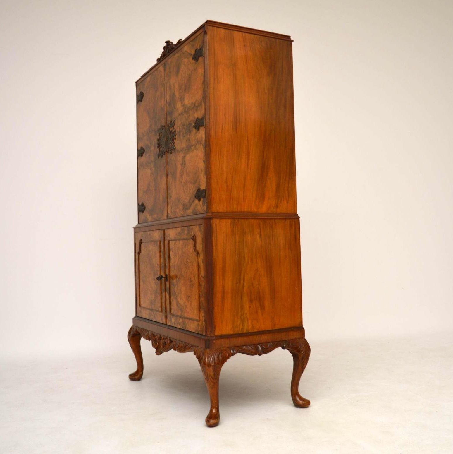 antique burr walnuss cocktail getr nke schrank vorratsschrank. Black Bedroom Furniture Sets. Home Design Ideas