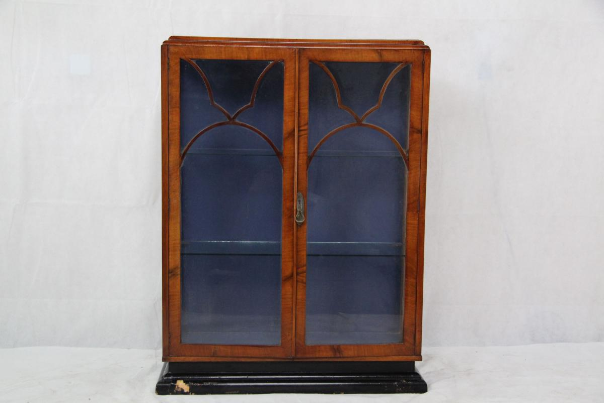 art deco vitrine showcase aus england. Black Bedroom Furniture Sets. Home Design Ideas