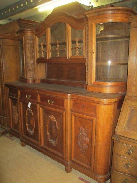sch nes antikes buffet schrank k chenschrank. Black Bedroom Furniture Sets. Home Design Ideas