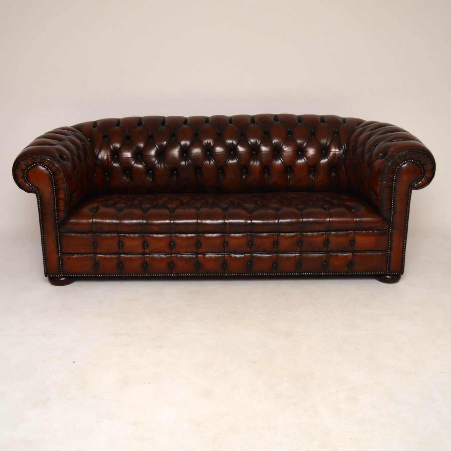 chesterfield sofa leder. Black Bedroom Furniture Sets. Home Design Ideas
