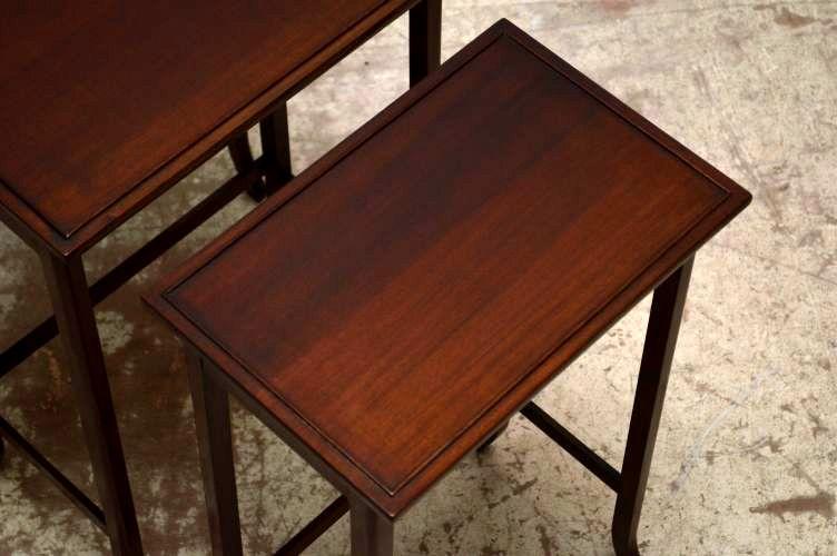 antikes nest of tables edwardian kleine tische 3er set. Black Bedroom Furniture Sets. Home Design Ideas
