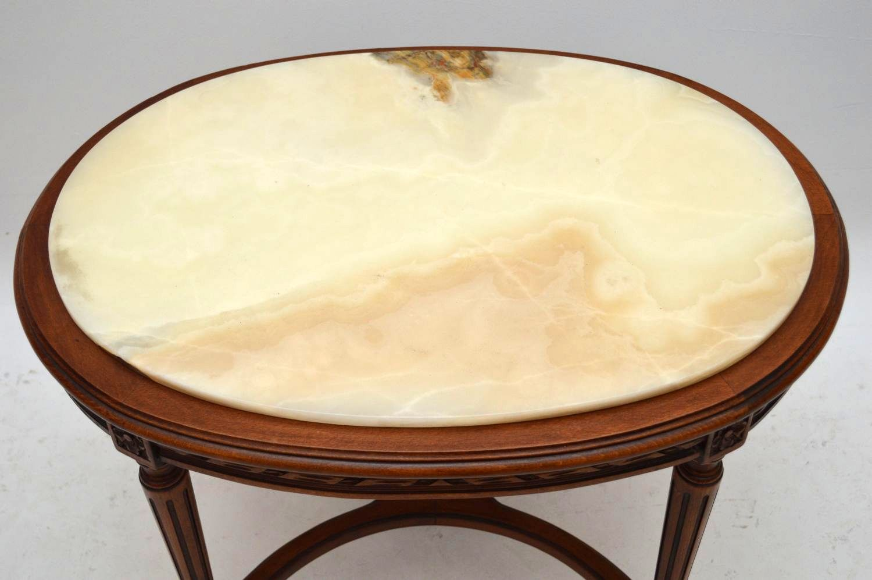 Antiker ovaler Couchtisch Coffee table