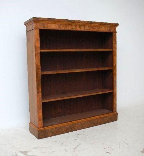 antiker nussbaum b cherschrank. Black Bedroom Furniture Sets. Home Design Ideas