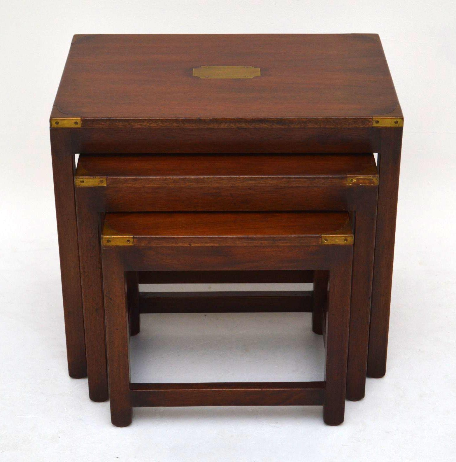 beistelltische antik campaign stil. Black Bedroom Furniture Sets. Home Design Ideas