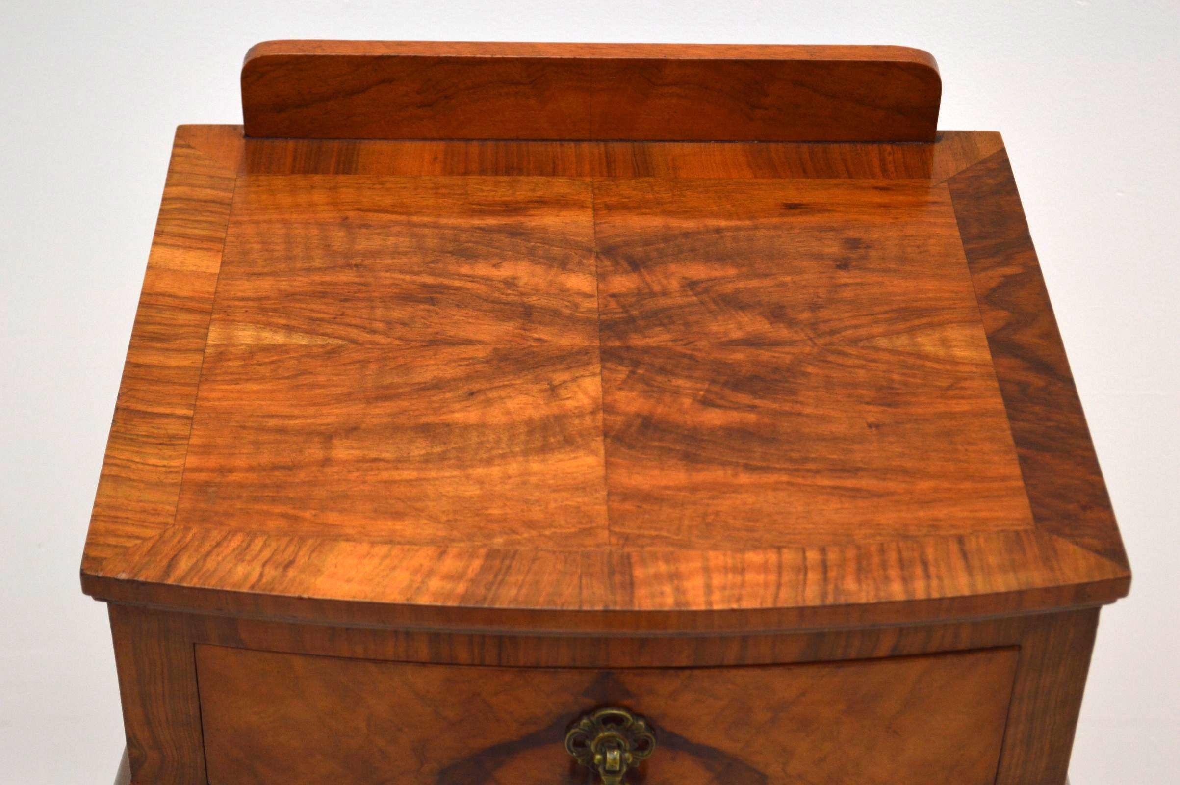schlanker antiker beistelltisch telefontisch. Black Bedroom Furniture Sets. Home Design Ideas