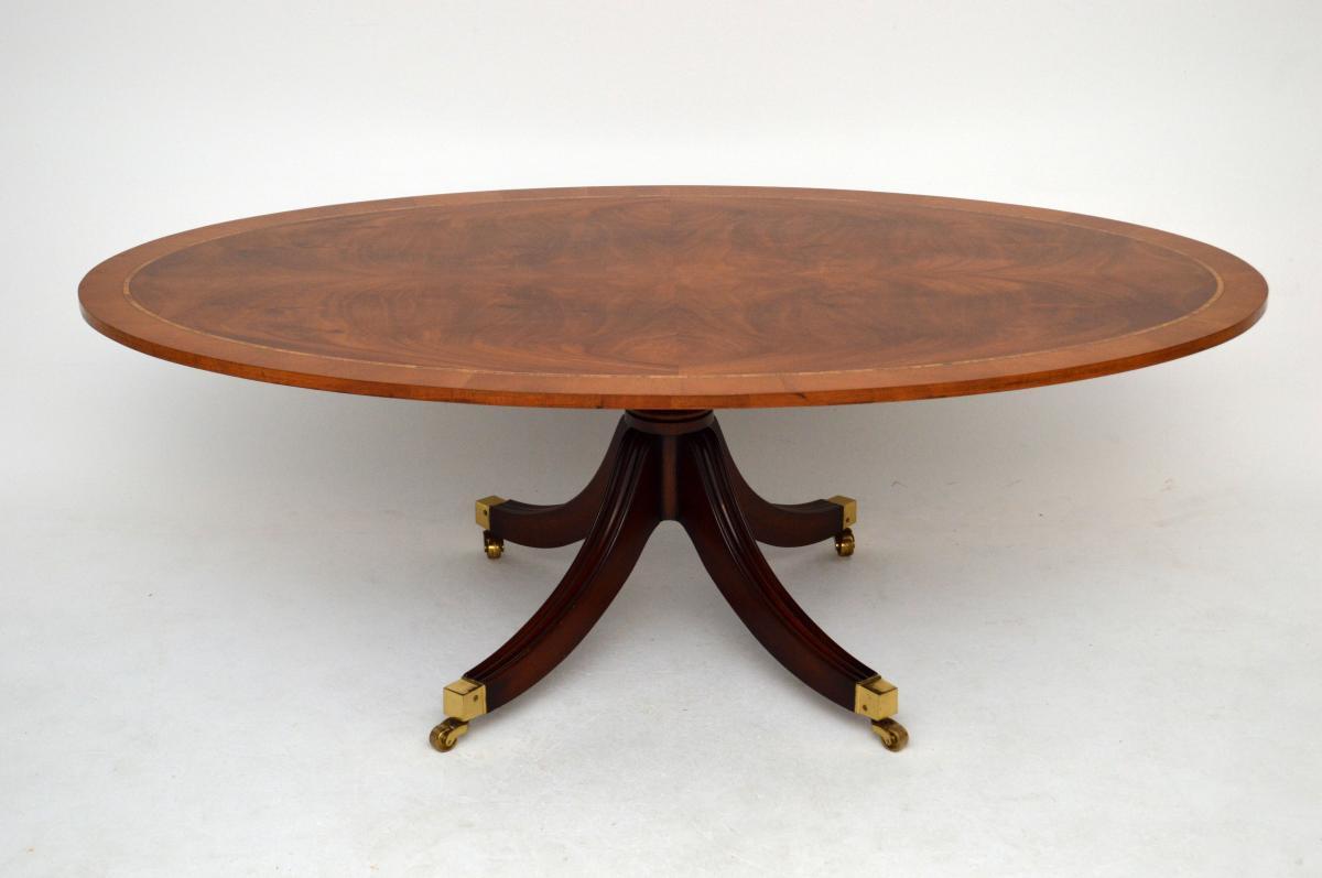 Langer Antiker Regency Stil Oval Couchtisch
