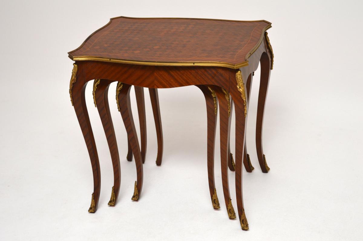 Antik Französische Königsholz Ormolu Nest Tische