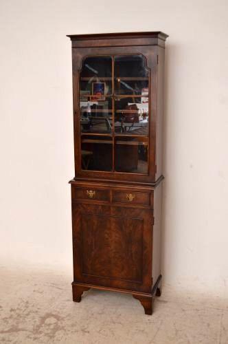 schmales b cherregal aus mahagoni antik. Black Bedroom Furniture Sets. Home Design Ideas