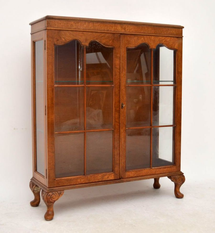 antike vitrine von 1930. Black Bedroom Furniture Sets. Home Design Ideas