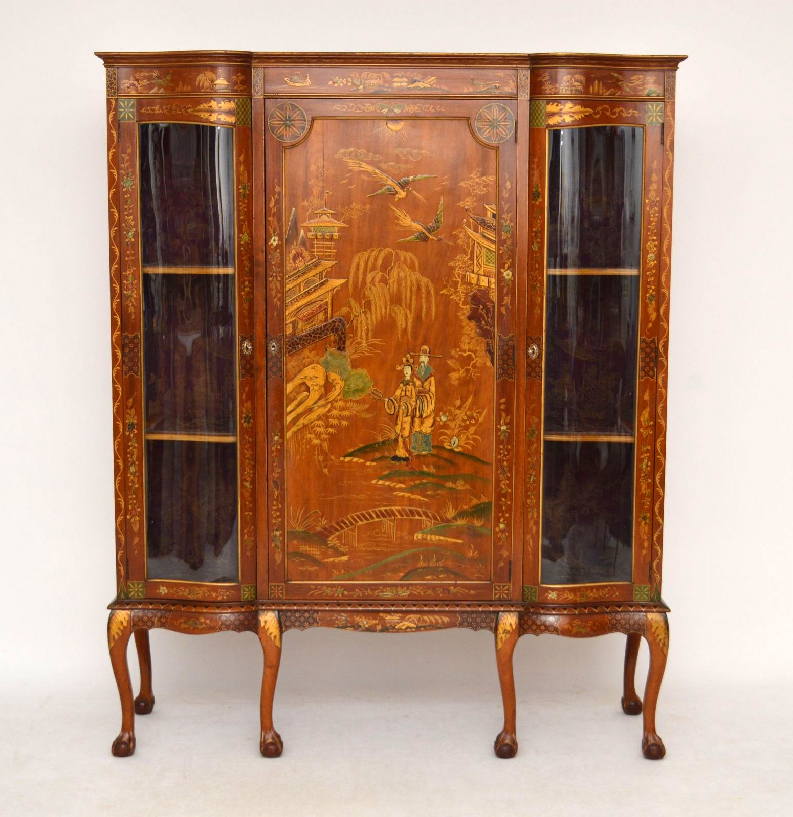 antike exotische chinoiserie vitrine mahagoni. Black Bedroom Furniture Sets. Home Design Ideas
