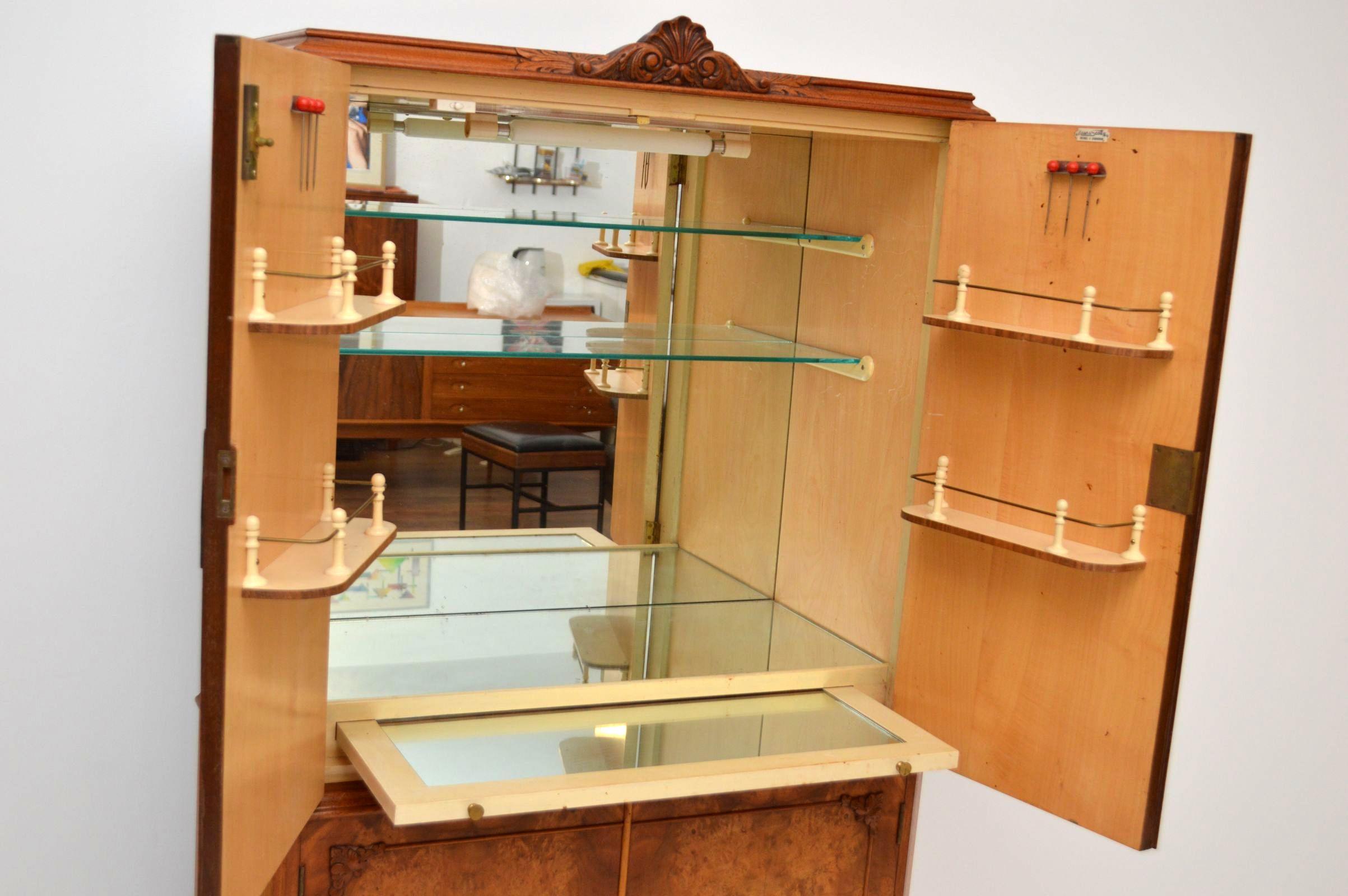 Antike Hausbar Cocktail Cabinet