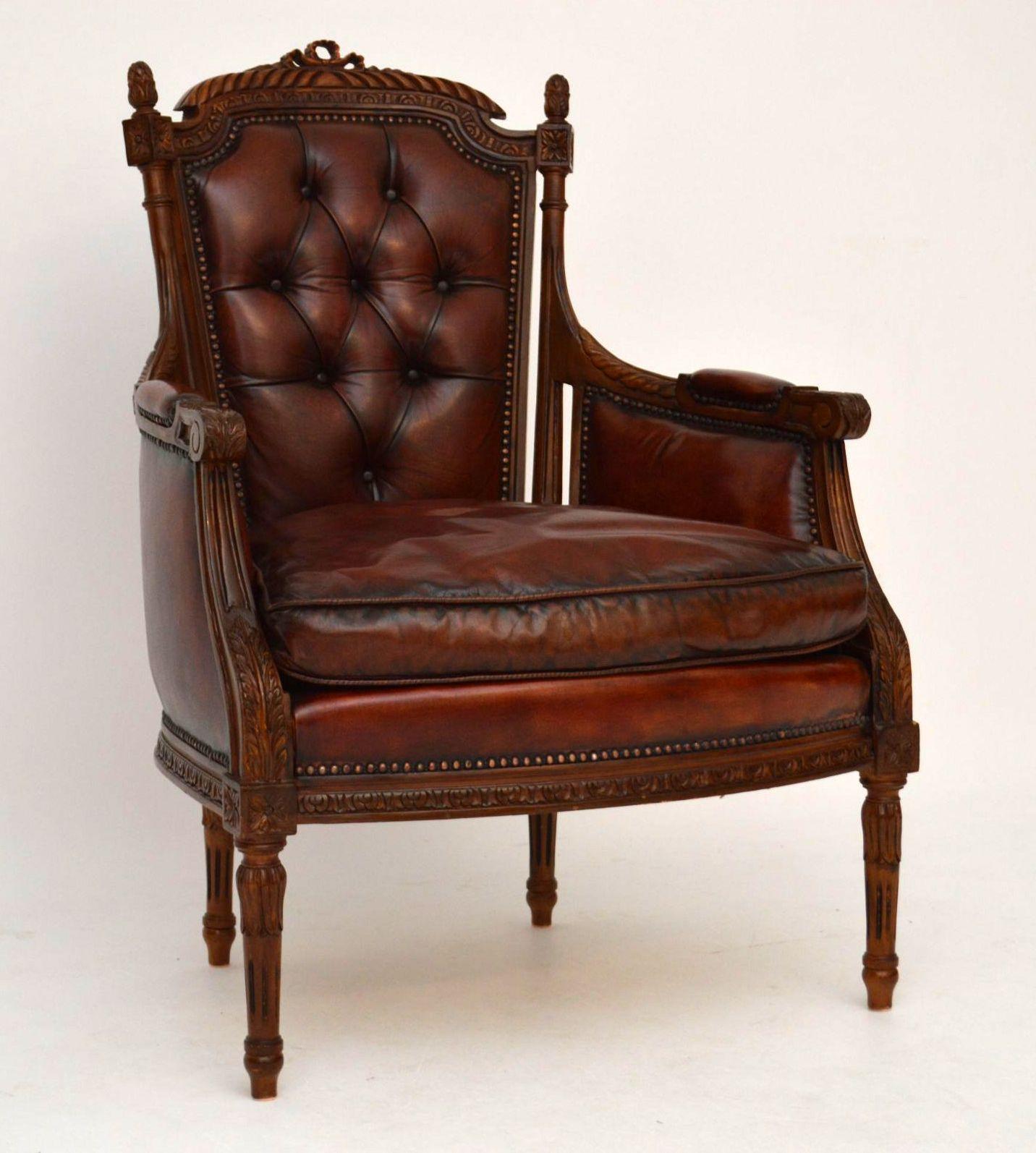 ein paar antike geschnitzte nussbaum leder sessel. Black Bedroom Furniture Sets. Home Design Ideas