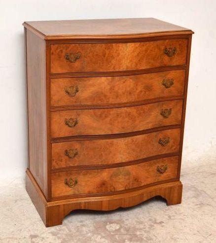 helle antike kommode mit 5 schubladen. Black Bedroom Furniture Sets. Home Design Ideas