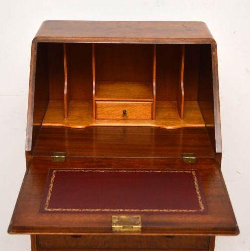antikes schmale bureau schreibtisch. Black Bedroom Furniture Sets. Home Design Ideas