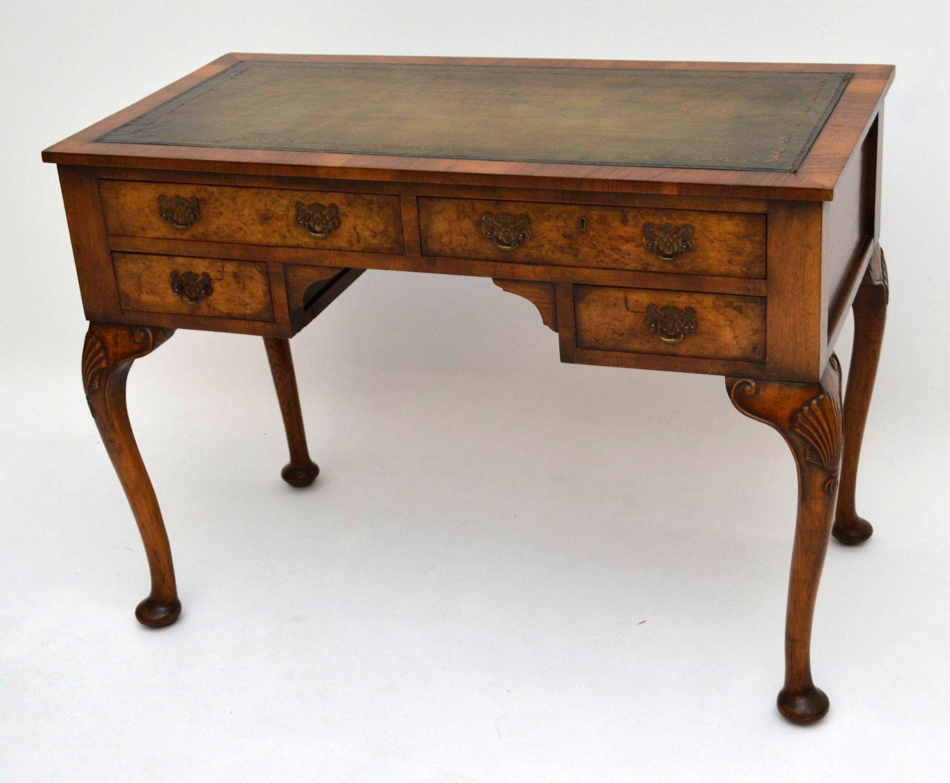 Schreibtisch antik aus walnuss holz for Schmaler schreibtisch aus holz