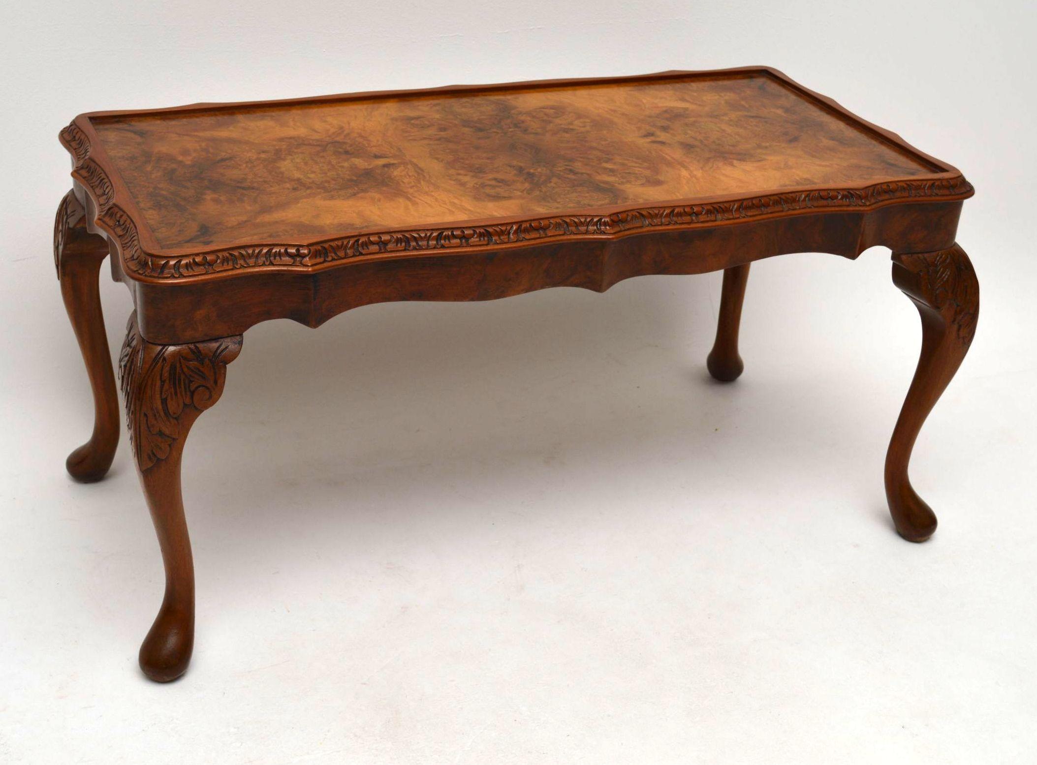 - Antike Queen Anne Style Nußbaum Coffee Table