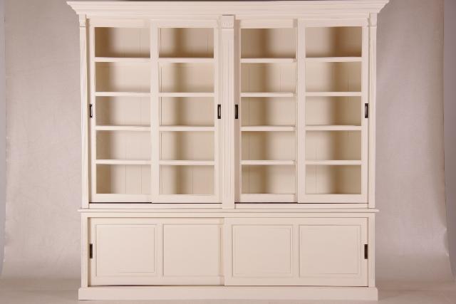 gro e vitrine mit glast ren french white. Black Bedroom Furniture Sets. Home Design Ideas