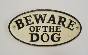 "Deko Schild ""BEWARE OF DOG"""