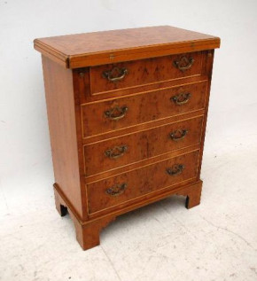 Small Antique Georgian Style Yew Wood Bachelor's Chest