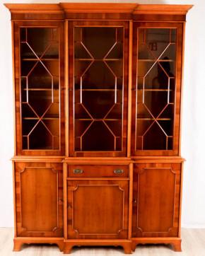 Englisches Breakfront Bookcase aus Eibe
